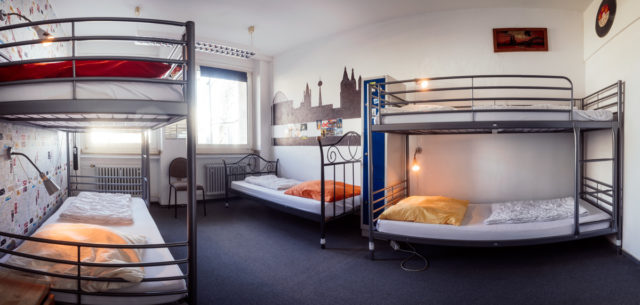 If you are still looking for an apartment in Cologne or are waiting for the room to be vacant, you have to be there. We are a fast and cheap place to stay on site.