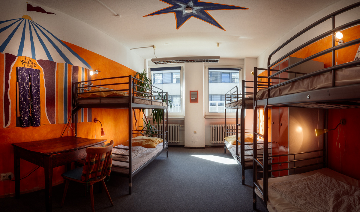Overview of our circus room with 6 bed